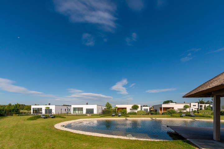 Luxurious Apartment on Pannonia Golf Course
