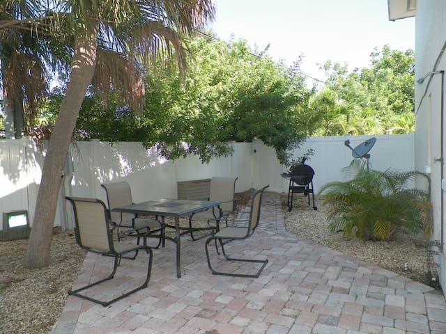 Quiet Beach getaway with patio in prime location!