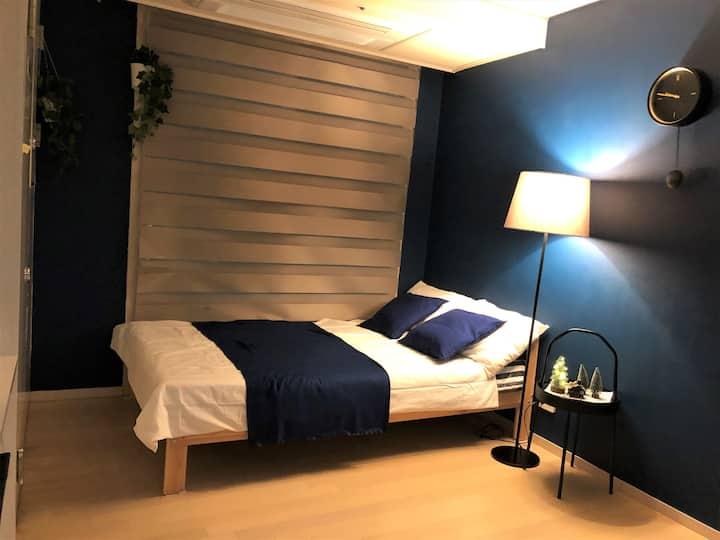 "❤️[무료주차]❤️지하철역 ""도보 1분"" Gina's Clean & Cozy Room"