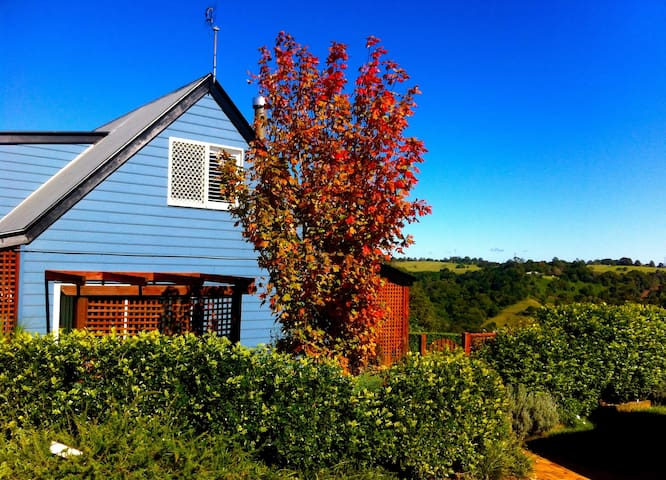 Hillview Cottage. Relax with the view.
