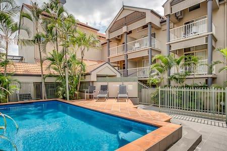Loft Style Two Bedroom Unit - Kangaroo Point