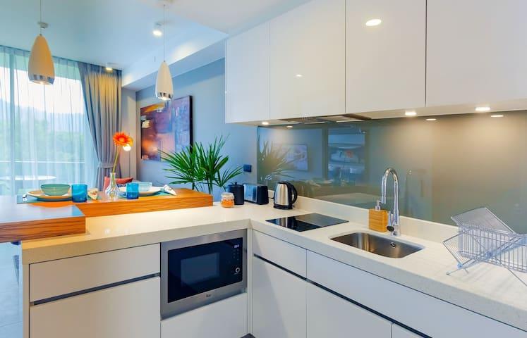 Fresh apartment in new condo, rooftop pool ❤️ BangTao Beach (602C2)