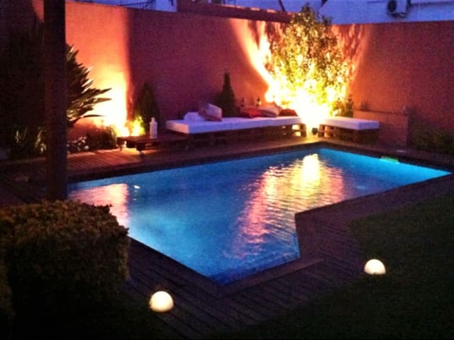 Villa next to the beach, private pool and wifi - Canet de Mar - Huis