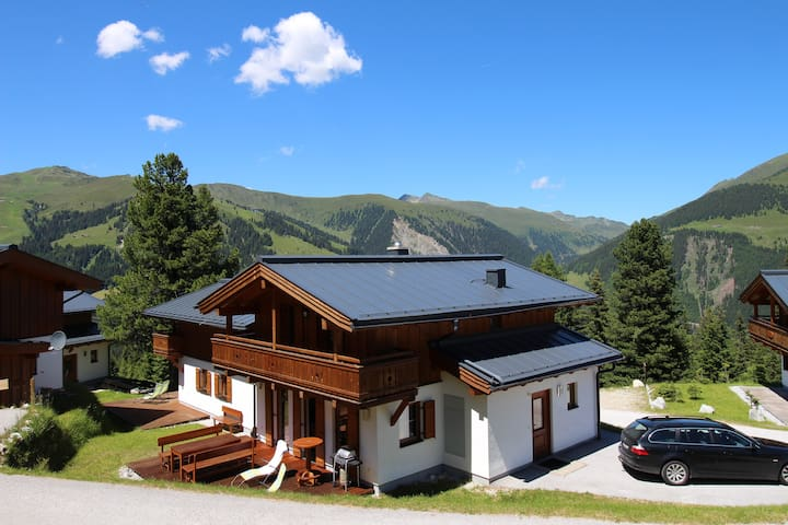 Luxurious Chalet in the Mountains - Hochkrimml - Almhütte