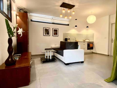 Apartment in Villa with separate entrance
