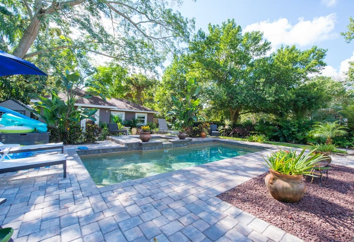 Poolside Private Guest House - Orlando - Bungalow