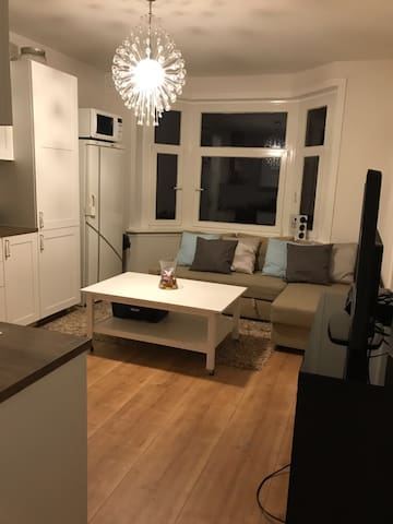 Large private room close to park