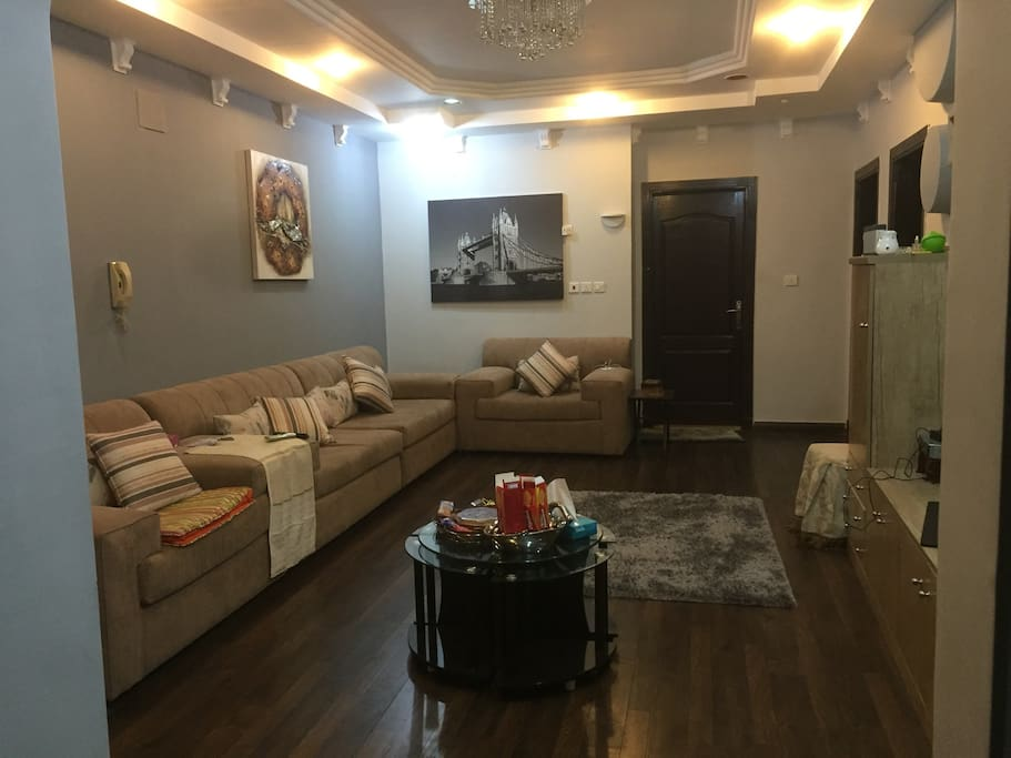 4 rooms 2br on hiraa st flats for rent in jeddah for Sofa bed jeddah