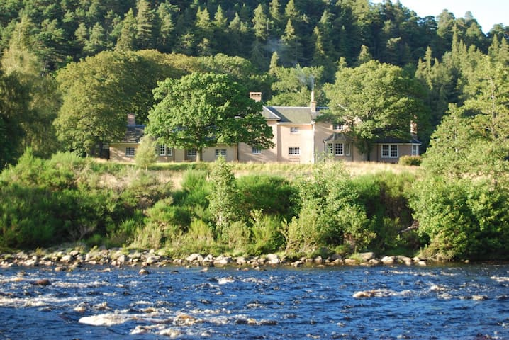 Drynachan Lodge, Cawdor Estate - Highland - บ้าน
