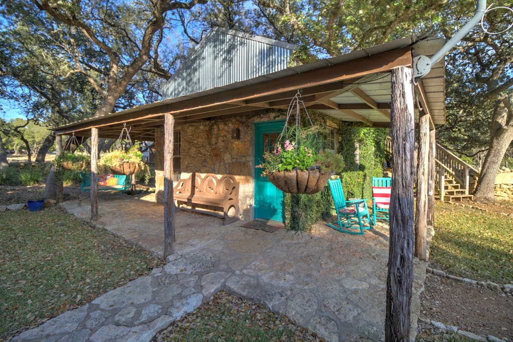 Casita Hill Country Cottage Guesthouses For Rent In