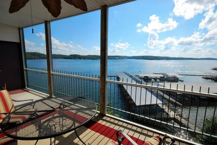 Waterfront AMAZING view, 3BR 2Bath, 2 heated pools - Lake Ozark