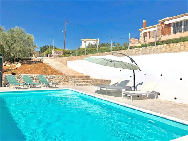 Sunlight House 1 with beautiful pool in Nafplion