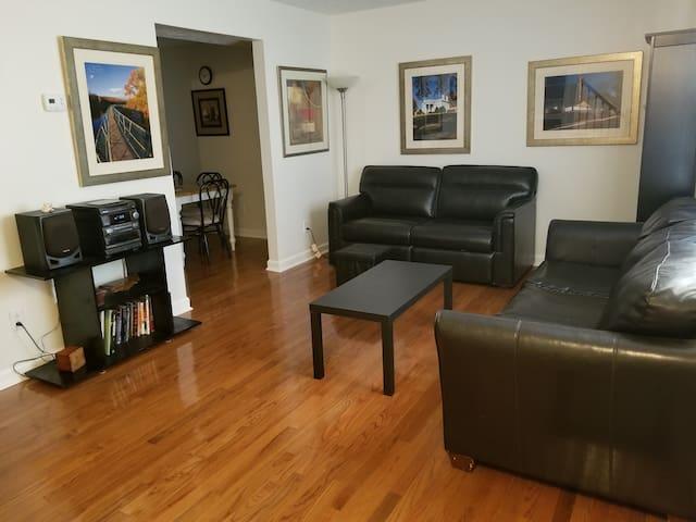 Clean and spacious condo, convenient location.