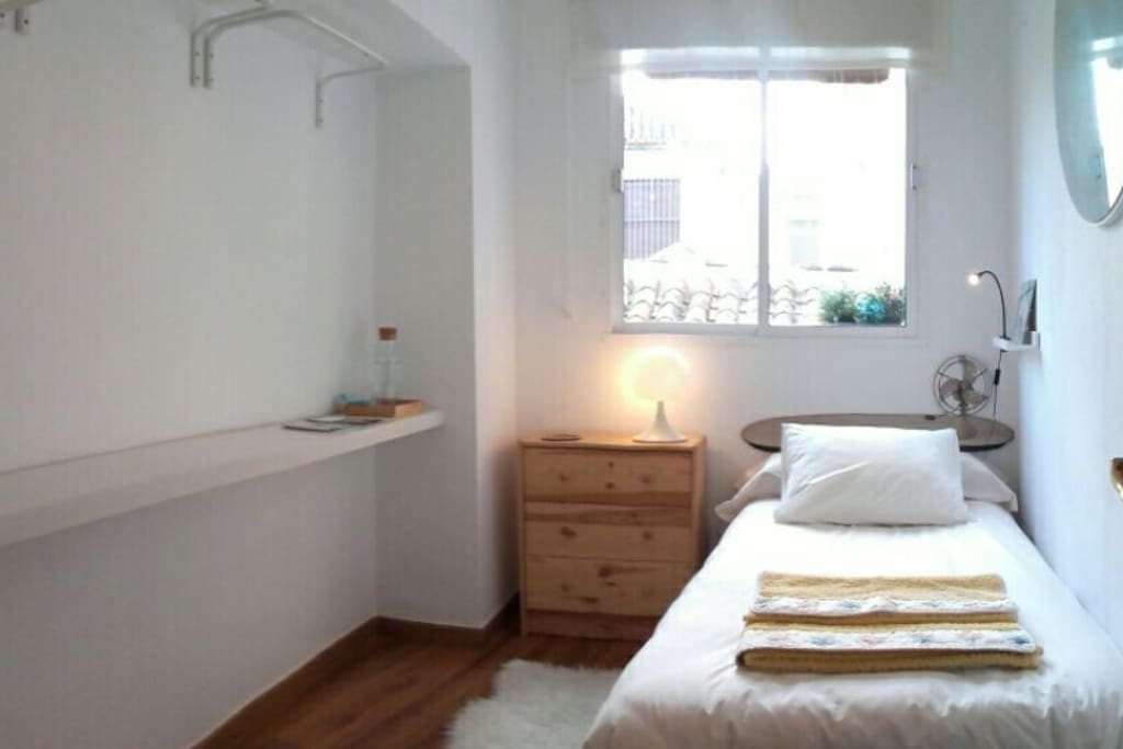 Cosy and confy single room