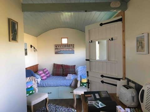 Northumbrian Pride, Shepherd 's Hut, Lowick