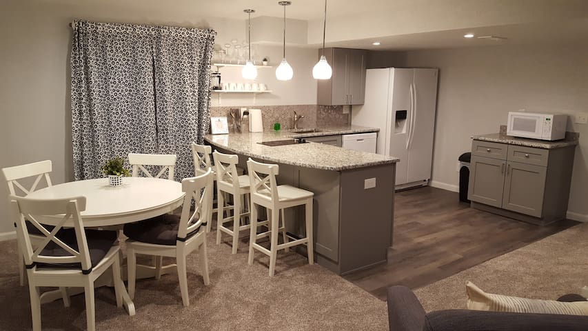 Sparkling private basement apt w/ shared entry