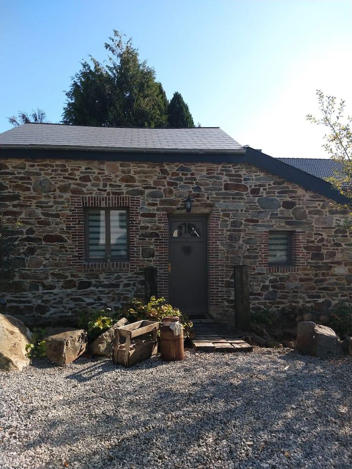 Maison en pierre pleine de charme proche de Rocroi