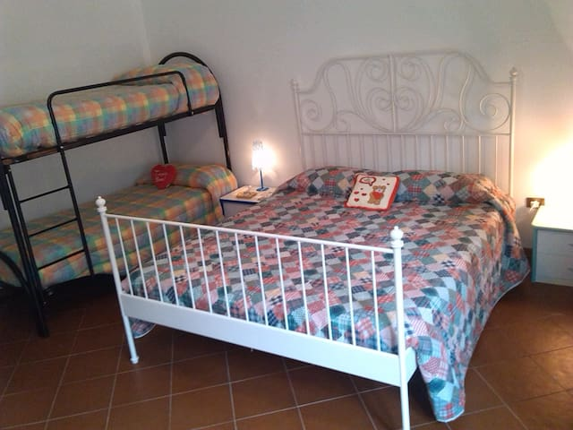 B&B il Ruscello- Camera maxi - Visso - Bed & Breakfast