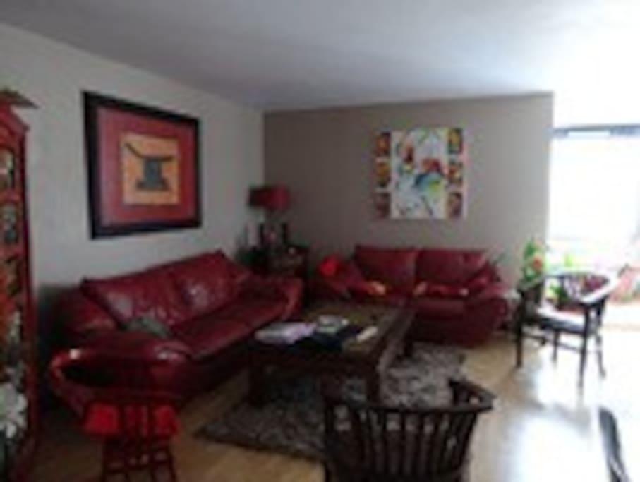 une chambre proche tour eiffel appartements louer paris le de france france. Black Bedroom Furniture Sets. Home Design Ideas