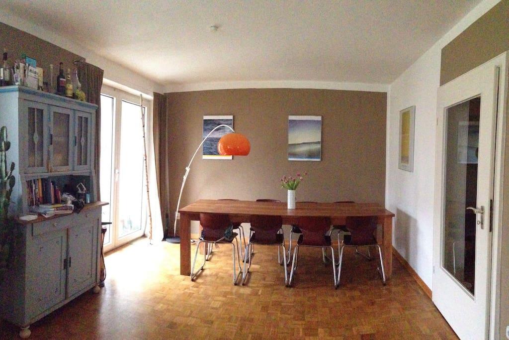 Das Wohnzimmer im Erdgeschoss.
