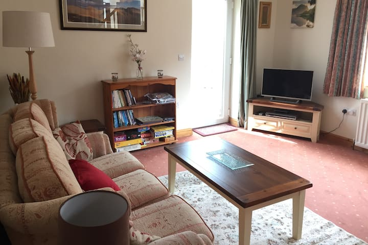 Mintside - Holiday Home in Beautiful Location