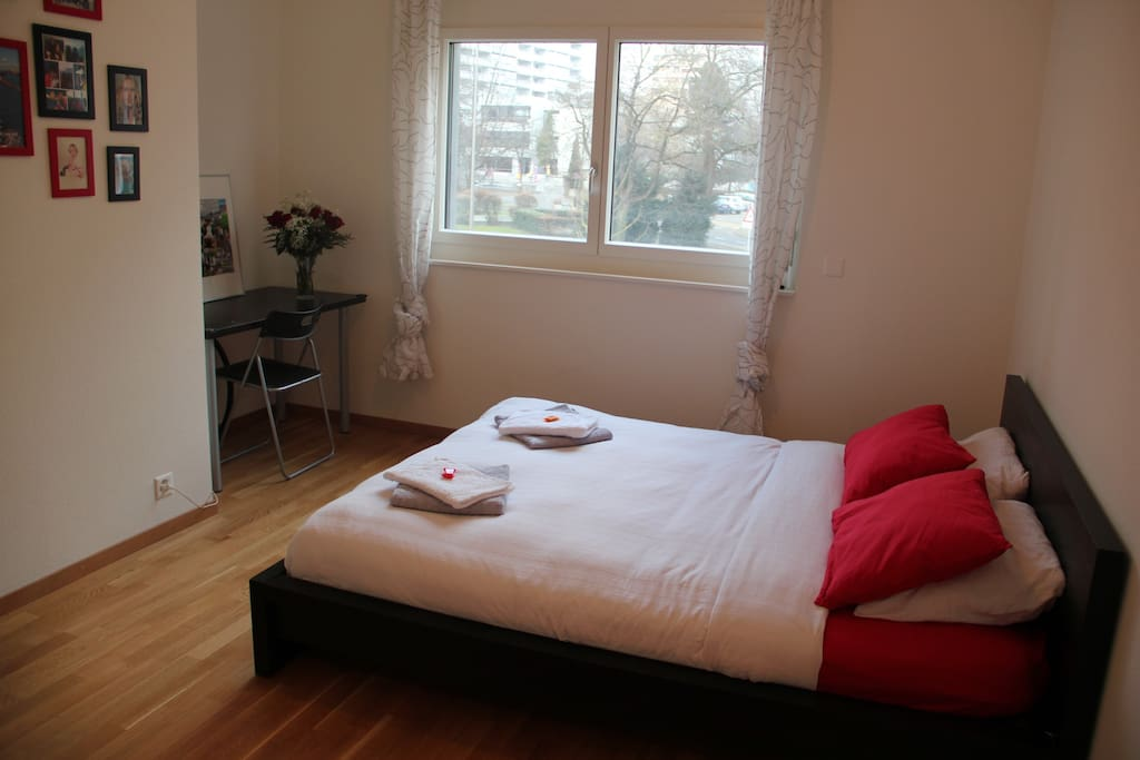 Big room with private bathroom appartements louer for Bathroom traduction