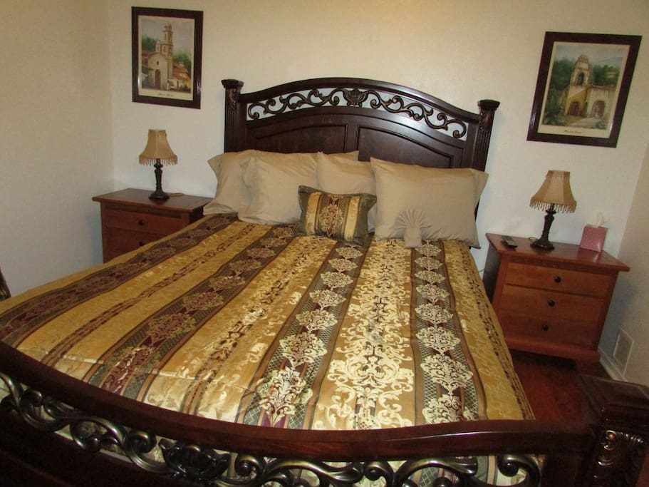 You bedroom with a queen size bed
