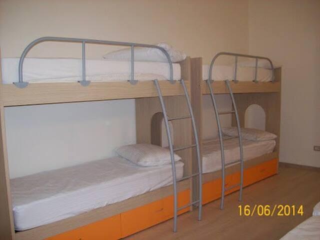 matrimoniale + 2 letti a castello - Cavo - Dorm