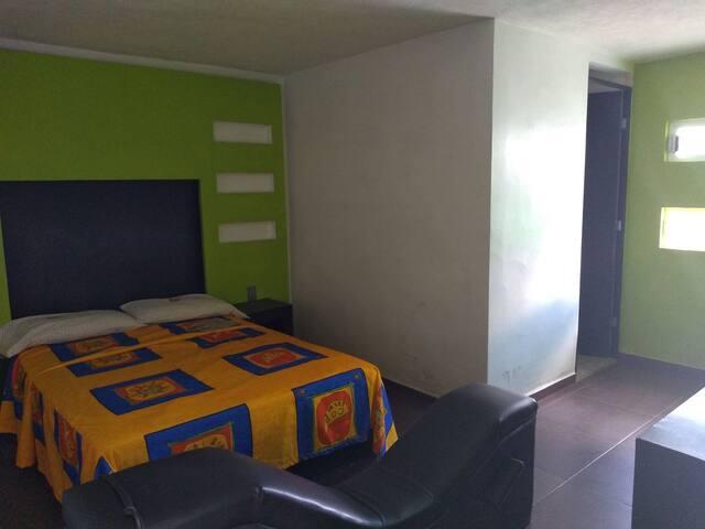 Habitaciones matrimoniales a 15 min de Pachuca #7