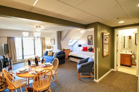 Upscale resort clean, stay on the Mt. walk to Kill