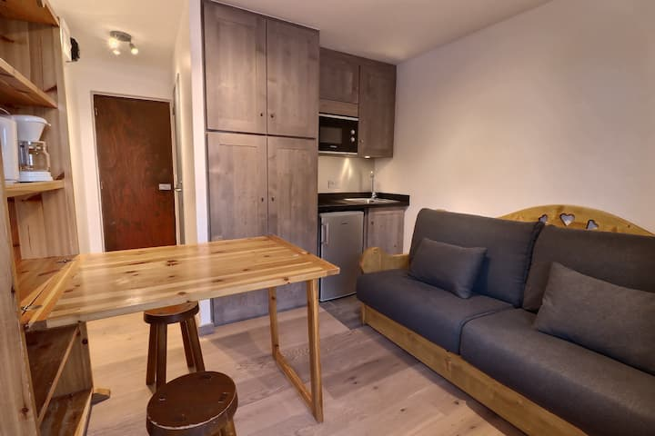 FULL RENOVATED STUDIO ON SLOPES CLOSE TO SHOPS