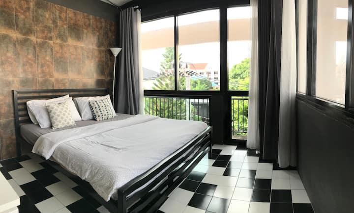 Best location 4 bedrms apt Chiangmai Old Town-3/9B