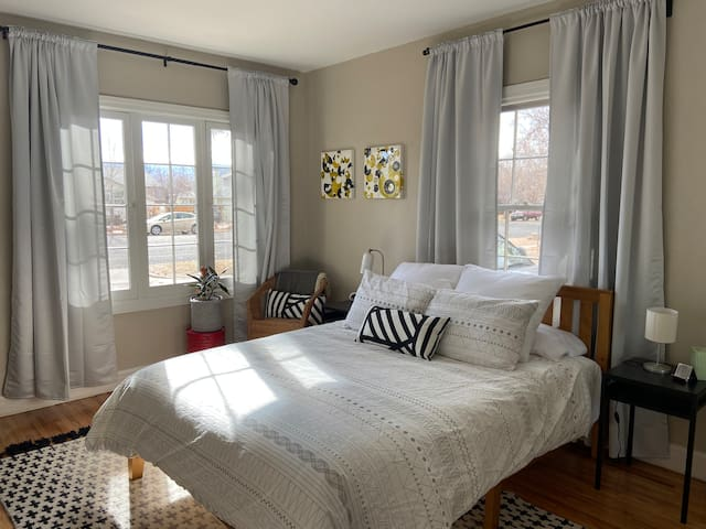 The Main Stay- located in the heart of downtown Gj