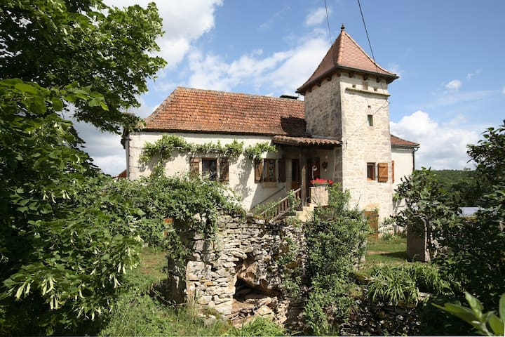 Charming family room - Calvignac - Bed & Breakfast