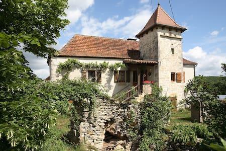 chambre familiale de charme  - Calvignac
