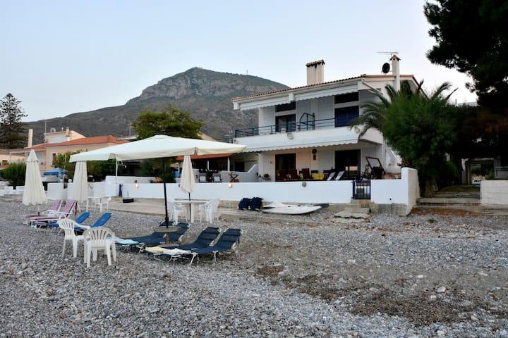 Seaside Luxurious Cottage!!