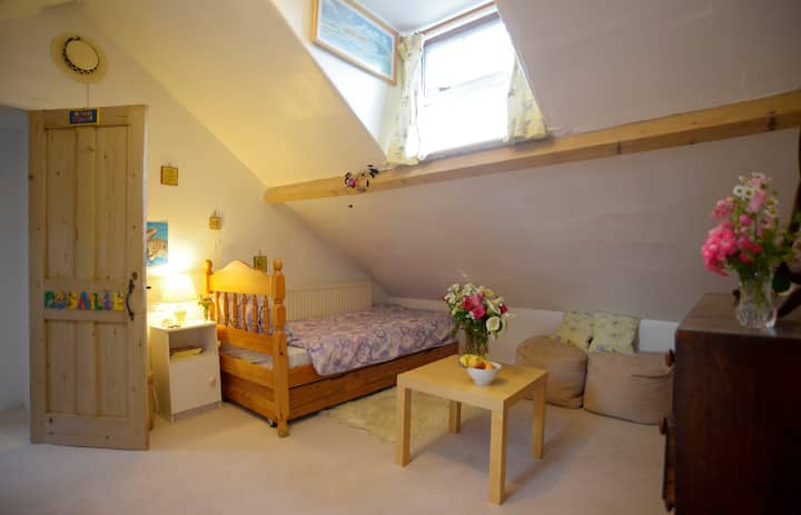 Rosie's Room, Central Bedford