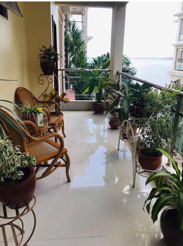 Spacious beautiful 2 BR Fully Equipped  flat facing the  Indian Ocean Beach (Msasani Bay)  – 1 Min Walk Perfect for  Weekend Getaway Enjoy *Sunrise/Sunsets*