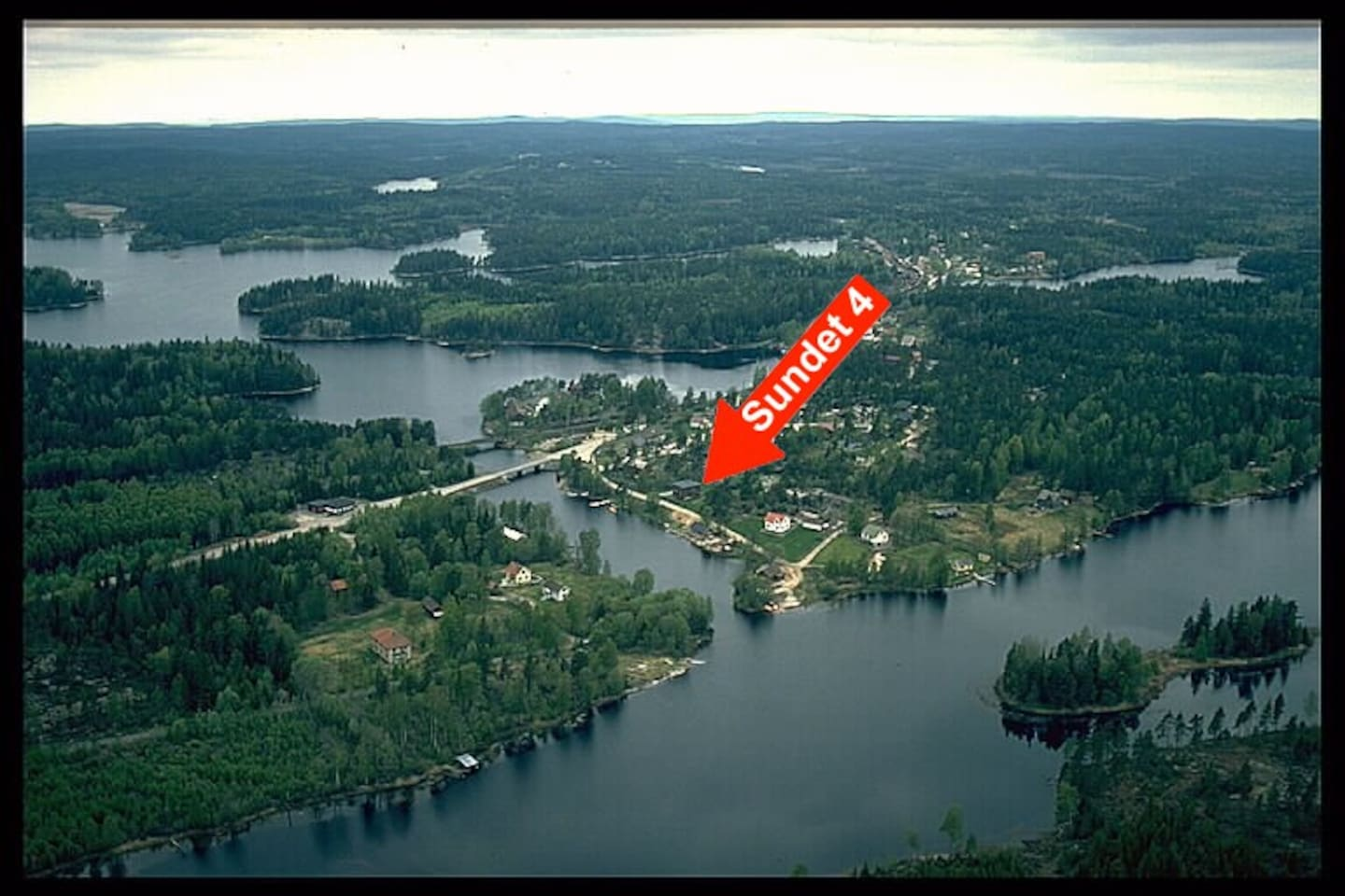 Location, The lake and forest is all aroud us.