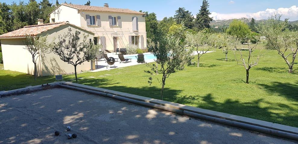 Villa Sauna Spa Piscine chauffée  boulodrome-LUSON