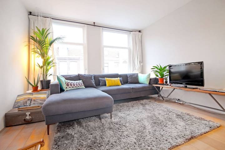Vondelpark - luxurious, light. 4person apartment!