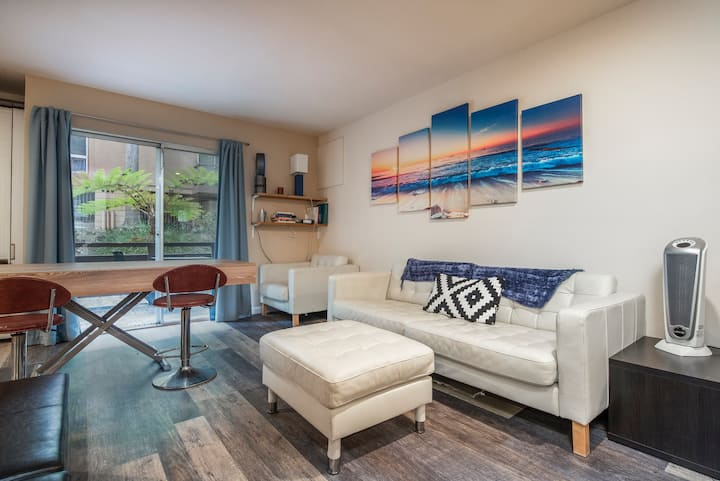 Modern Studio - Near Downtown and Beaches