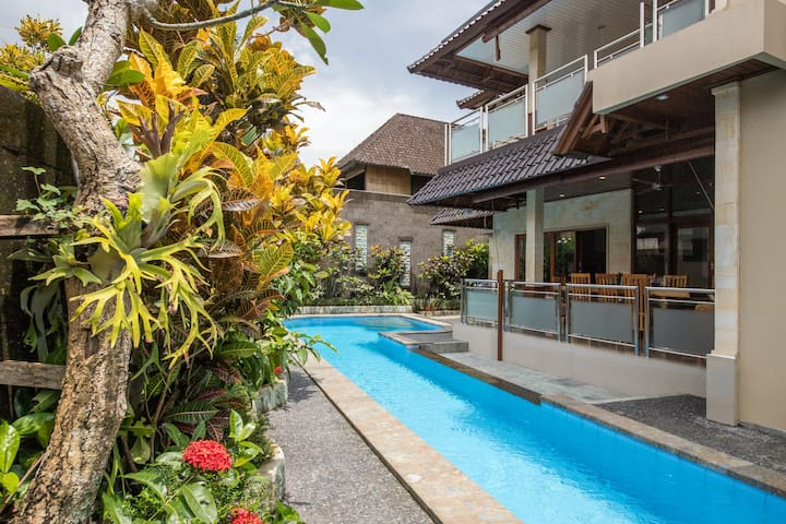 Large Modern villa Central Ubud