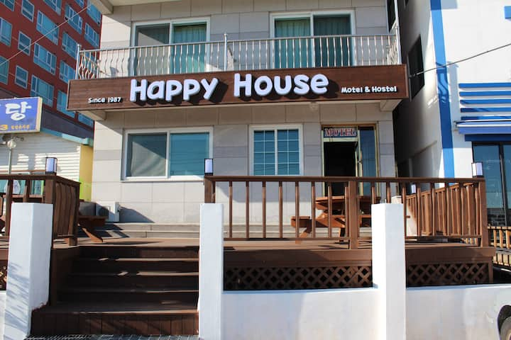 속초 중앙 HAPPY HOUSE HOSTEL (Dorm)