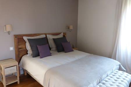 La Maison de Charlotte - Solesmes - Bed & Breakfast