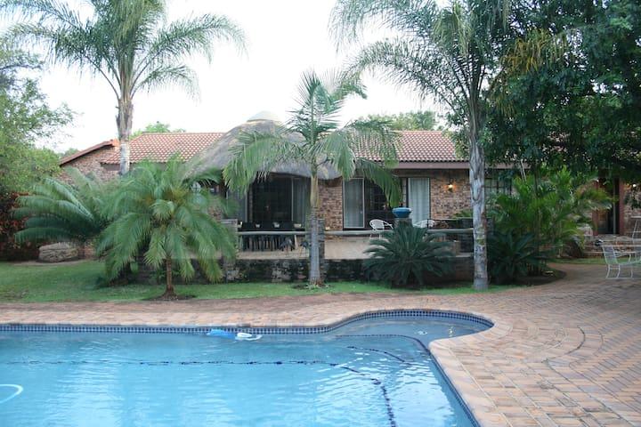 Tamboti House - Malelane