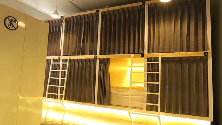 16 Capsule Beds Female Dormitory
