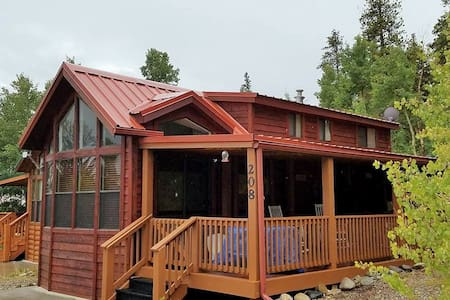 Adorable, Cozy Cabin w/ beautiful views - Fairplay - 小木屋