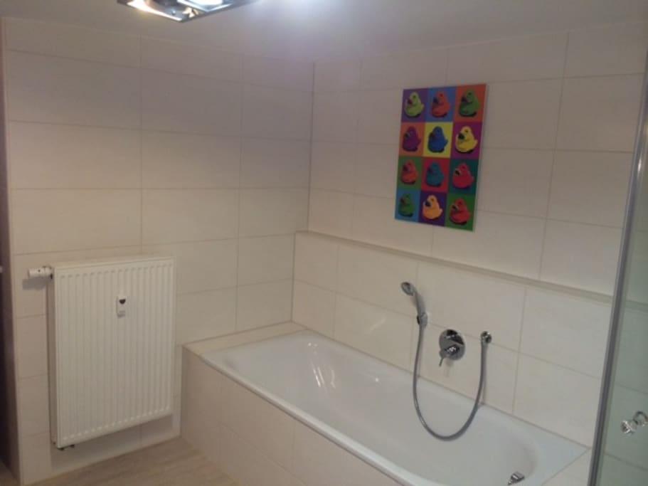 Beispiel für Bad mit Badewanne (i.d.R. nur Dusche!)