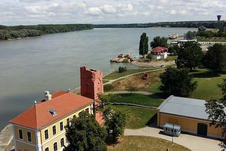 Dunav + Vukovar= proljeće - Vukovar - Bed & Breakfast